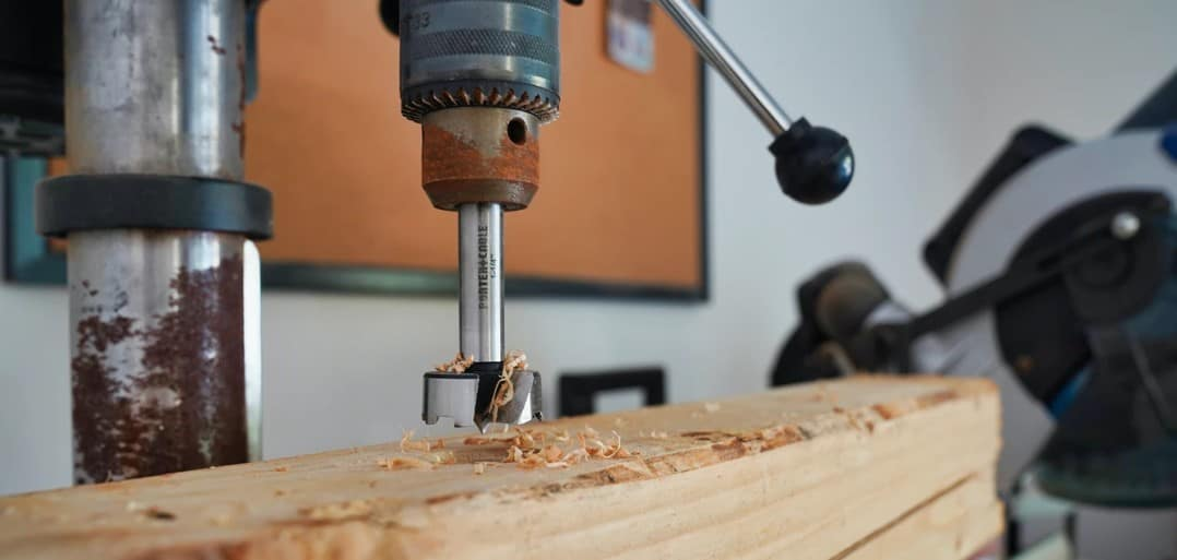 Choosing the best beginners table saw isn't easy. Even with our list, you still can get confused. To make you make a better choice we made a buyer's guide where we listed all the things that you need to focus on before buying a beginner table saw.